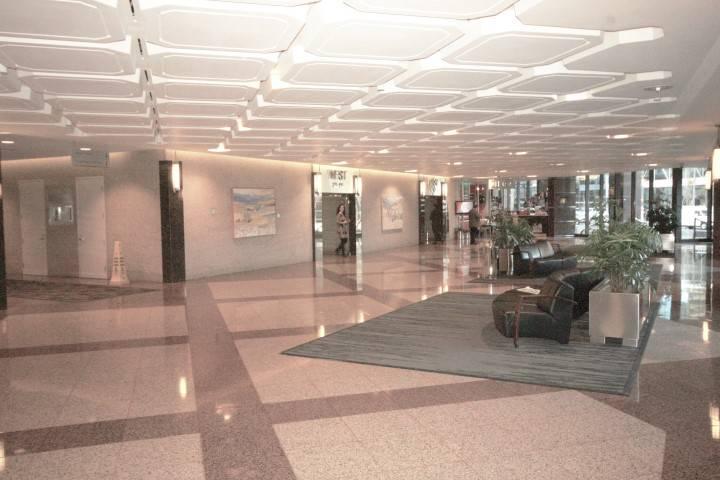 Suncor Energy Centre - East Tower-111 5 Avenue Southwest